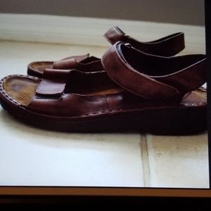db99448d4b45 Naot Karenna Brown Leather Sandals Sz 9